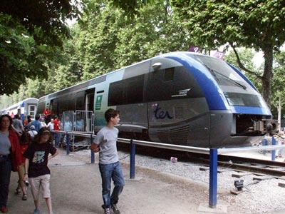 http://www.ciudadluz.net/insolito/ima/trenes-030529c.jpg